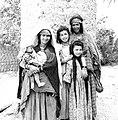 Women of Plateau Region Algeria (6887747485).jpg