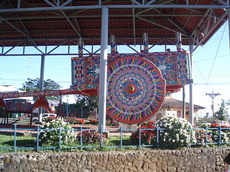 Las Carretas, Costa Rican Oxcarts - World's largest oxcart on display in Costa Rica