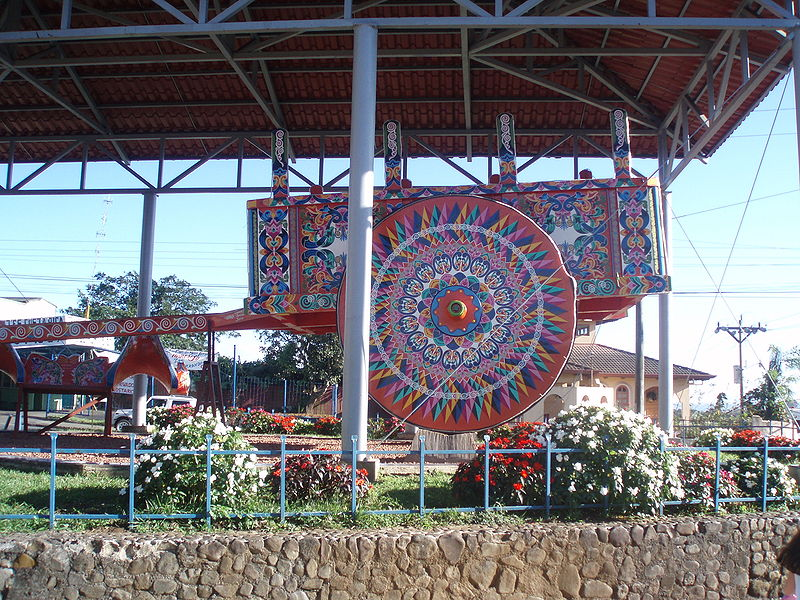 Bestand:World's Largest Oxcart Sarchi Costa Rica.JPG