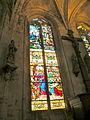 Église de Chaumont en Vexin vitrail déambulatoire 10.JPG