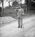 """Šentjernejski """"pastir"""" (bivši črednik) kliče živino na gmajnsko pašo 1952.jpg"""