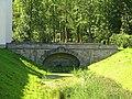 Александровский парк. Руинный мост у ворот-руин01.jpg
