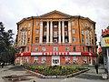 Дом жилой ул. Стахановская, 1 - пр. Орджоникидзе, 10, стена с колоннами.jpg