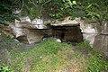 Зовнішній вигляд входу до печери Кармелюка.jpg