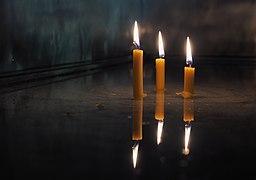 Манастир Моштаница-капела за паљење свећа (Moštanica Monastery, chapel for lighting candles).jpg