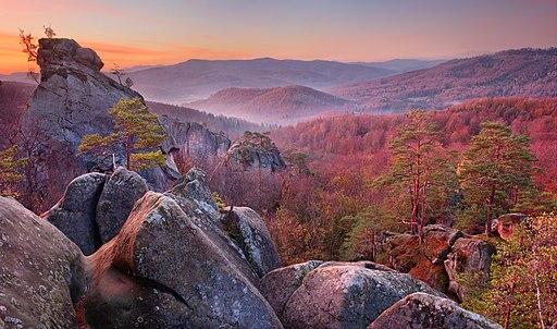 Поляницький регіональний парк. Скелі Довбуша