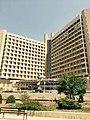 مستشفى الملك عبداللهالمؤسس في مدينة اربد.jpg