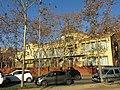 002 Escola Santa Eugènia (Col·legi Groc), c. Riu Güell - pg. d'Olot (Girona).jpg