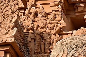 1010 CE Brihadishwara Temple, Hindu god Shiva, built by Rajaraja I, Thanjavur Tamil Nadu India (8)