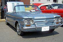 Una Corvair del 1962. Nader denunciò la pericolosità di questa vettura.