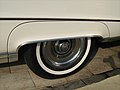 1969 Buick Electra 225 Custom white fender skirt.jpg