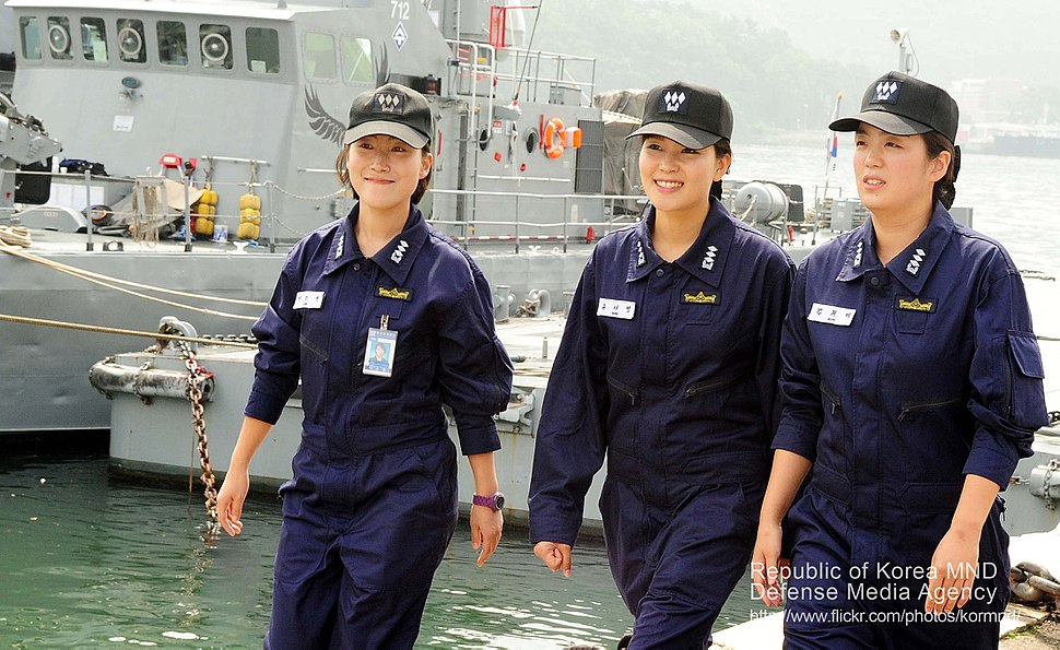 2012 해군 여군 고속정 정장 임명 (7559205702)