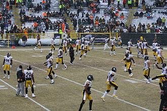 2013 Pittsburgh Steelers season - Players warming up before Week 16 at Green Bay