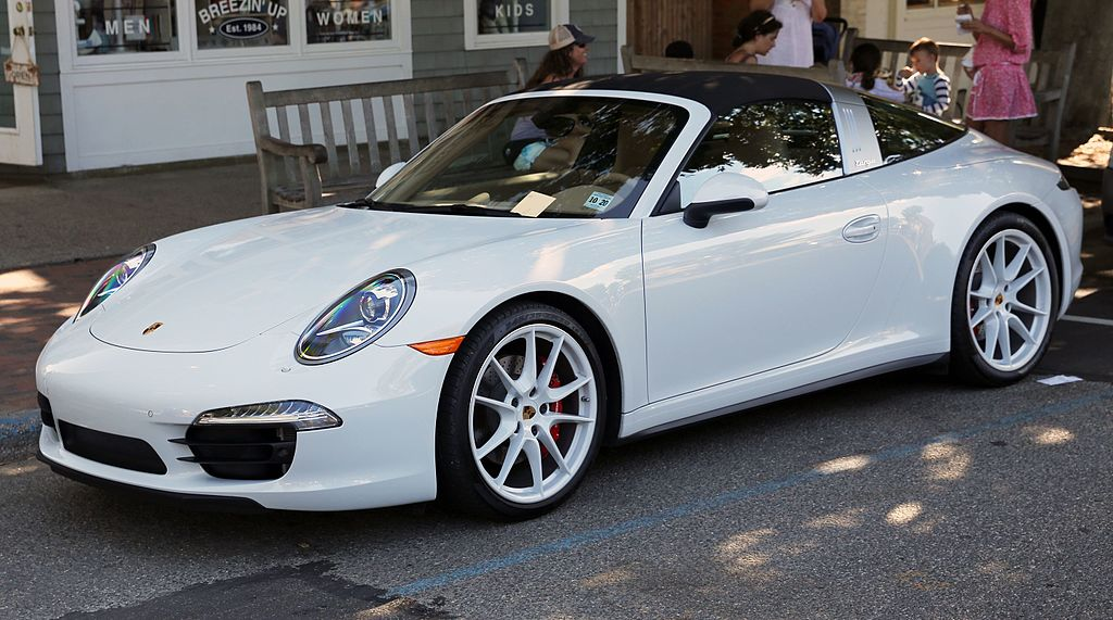 File 2015 Porsche 911 Targa 4s In All White Front Left