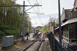 Overveen railway station - View of the tracks and platform