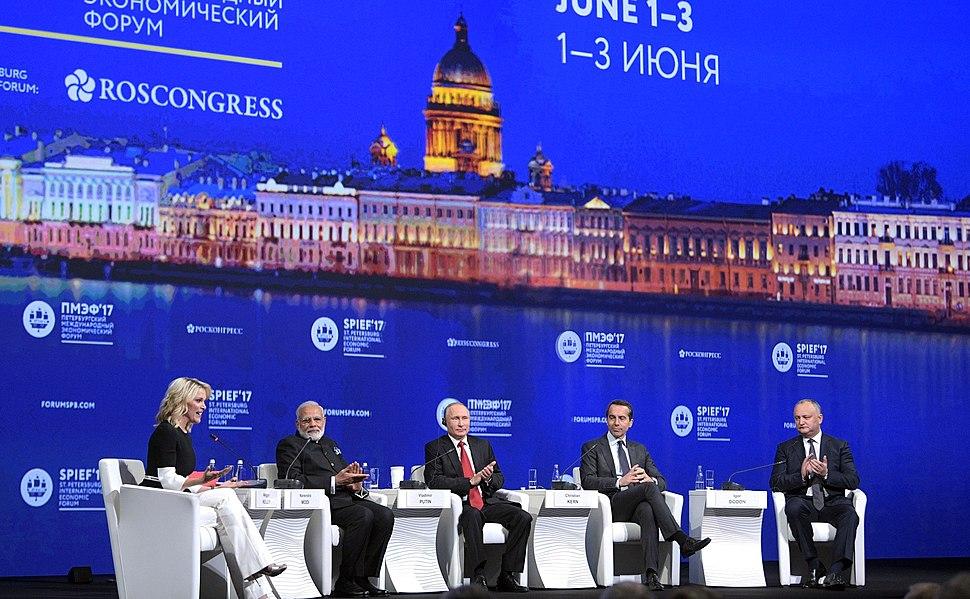 2017 St Petersburg International Economic Forum plenary meeting (5)