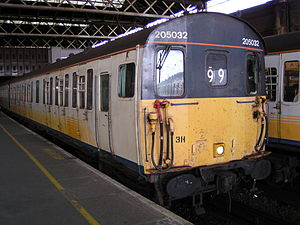 British Rail Class 205 - Class 205, no. 205032 at London Bridge on 15th August 2003, with a service to Uckfield. These units have now been replaced on Southern by new Class 171 Turbostar units. This unit is now preserved on the Dartmoor Railway.