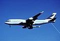 431cq - Cathay Pacific Boeing 747-467, B-HOS@YVR,07.10.2006 - Flickr - Aero Icarus.jpg