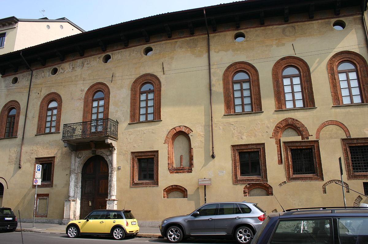Casa fontana silvestri wikipedia for Corso stilista milano
