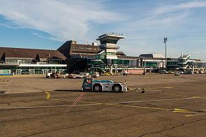 Strasbourg Airport - Image: Aéroport Strasbourg Entzheim SXB avril 2015 04