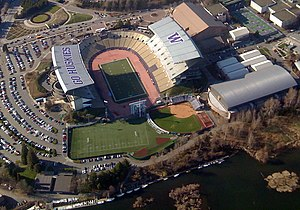English: Husky Stadium viewed from an aircraft...