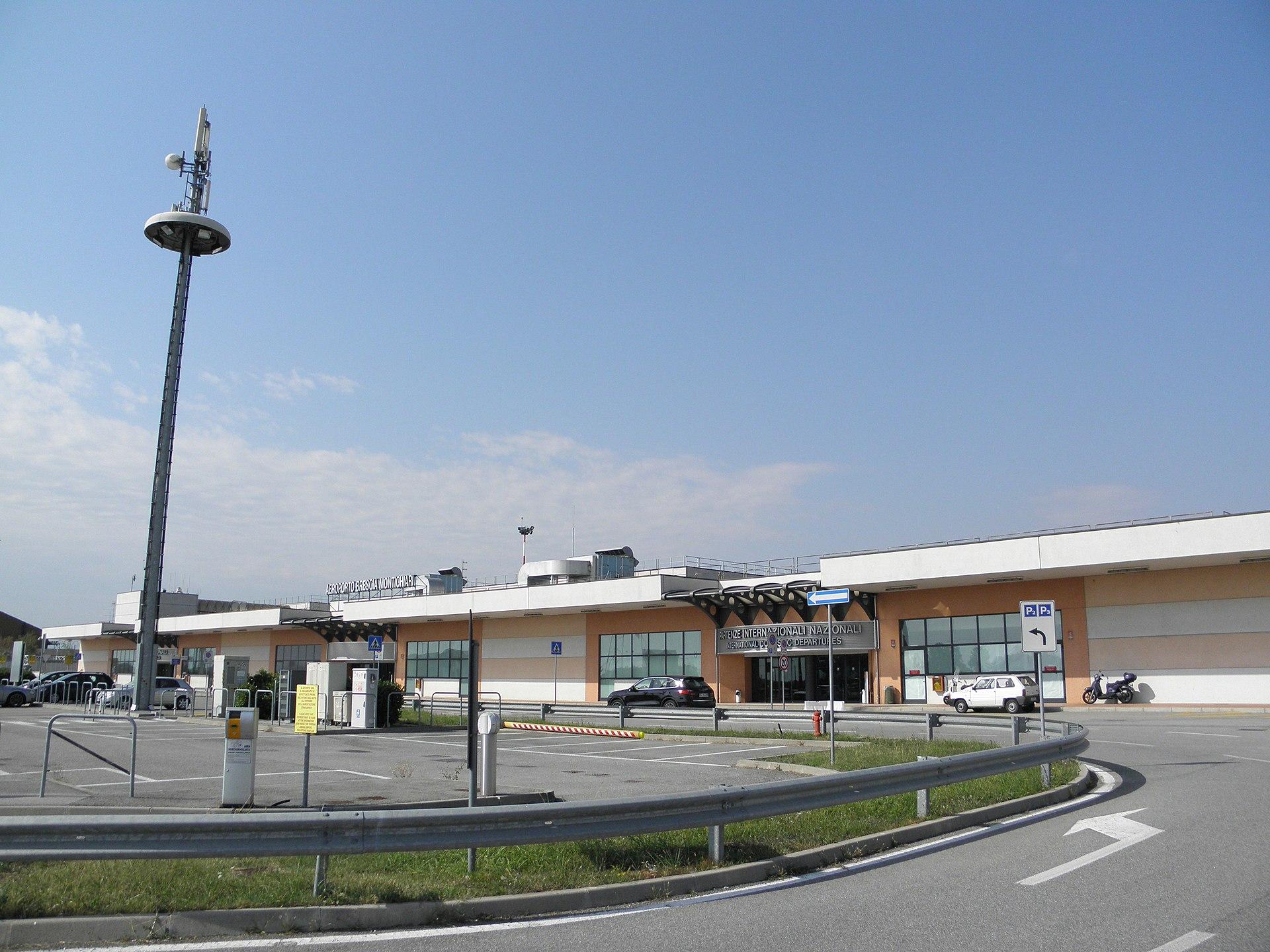 Brescia airport wikipedia for Interno 4 montichiari