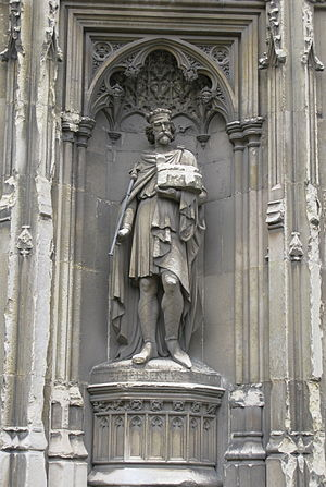 Æthelberht of Kent - Sculpture of Æthelberht on Canterbury Cathedral in England