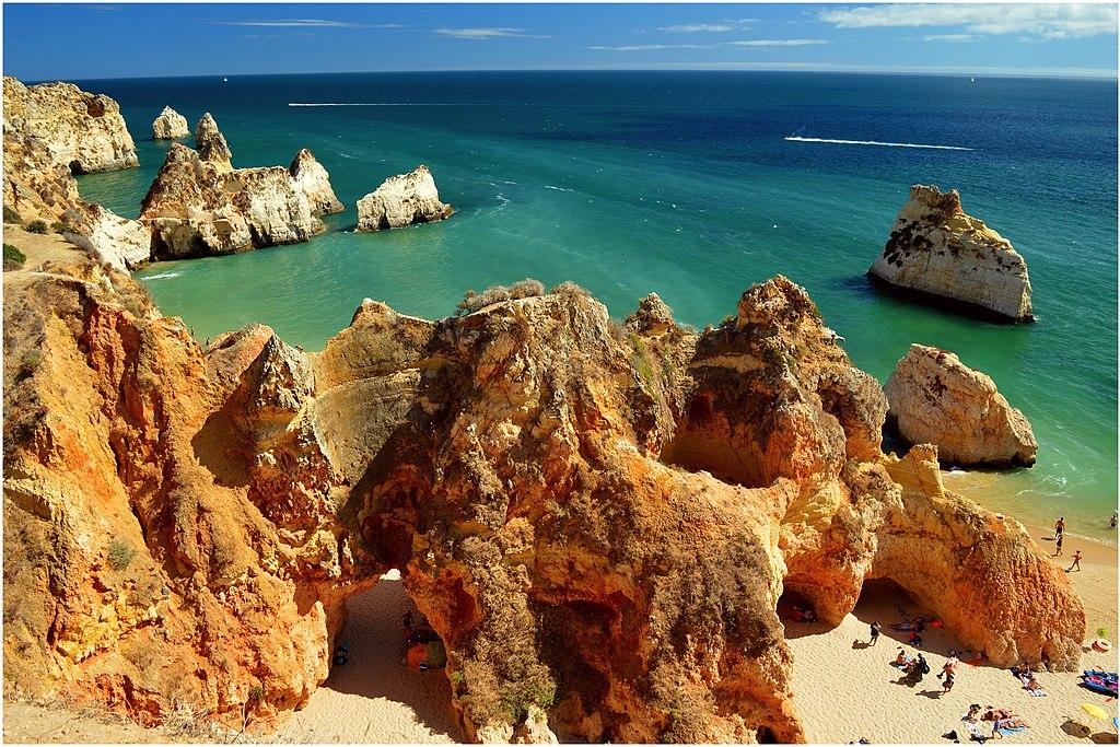 Plage Praia dos Três Irmãos à Portimão dans la région de l'Algarve au Portugal - Photo de Freebird