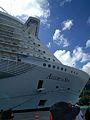 Allure of the Seas (31786005971).jpg