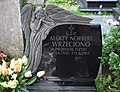 Alojzy Wrzeciono tomb (Poznan).jpg