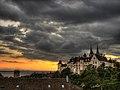 Ambiance orageuse au dessus du château de Neuchâtel.jpg