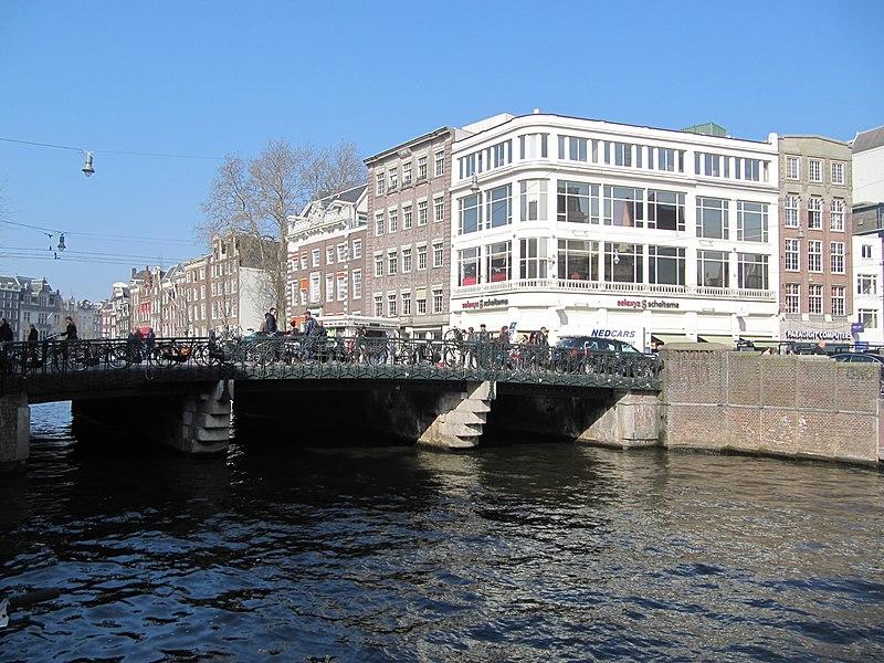 File:Amsterdam brug Koningssluis.jpg