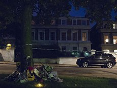 Amy Winehouse Home 23-July-2011.jpg