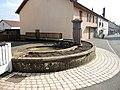 Ancienne fontaine à Montenois.jpg