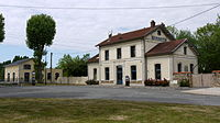 Ancient Yebles Guignes station P1090006.JPG