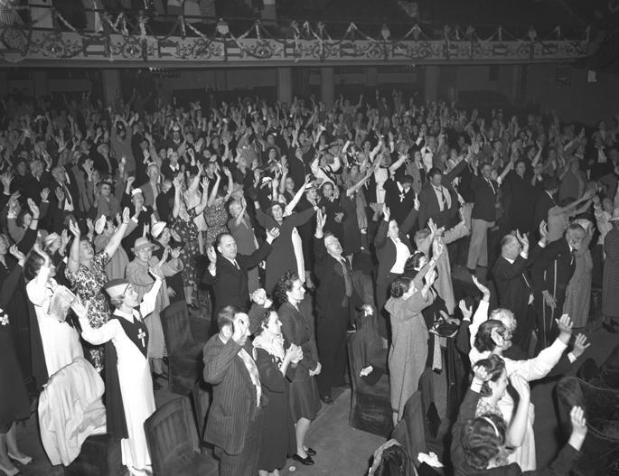 Angelus Temple worship service 1942