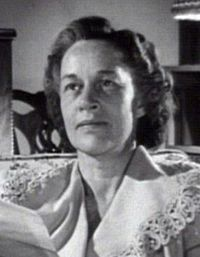 Anne Revere in Gentleman's Agreement trailer cropped.jpg