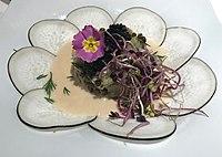 Auberge Les Tilleuls (Vincelottes) - tartare de haddock aux lentilles, cerclé d'un velouté de hareng.JPG