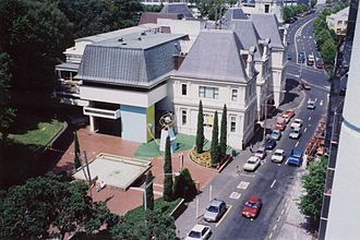 Auckland Art Gallery Toi o Tāmaki - With the extension added on in the 1970s, seen from a nearby parking building.