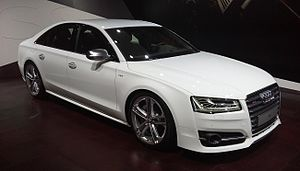 Audi S8 D4 facelift 01 Auto China 2014-04-23.jpg