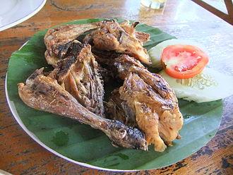 Ayam bakar - Image: Ayam bakar khas Taliwang 2
