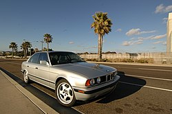 BMW E34 M5 saloon (US)