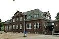 Bad Oldesloe - ehem. Verwaltungsgebäude (Schule; Kulturdenkmal).JPG