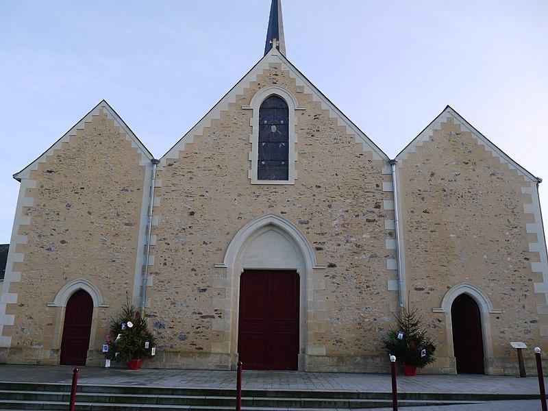 La façade de l'église Saint-Sulpice.