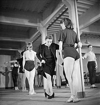 Ballet Goes To the Factory- Dance and Entertainment Organised by the Council For the Encouragement of Music and the Arts, England, 1943 D14038.jpg