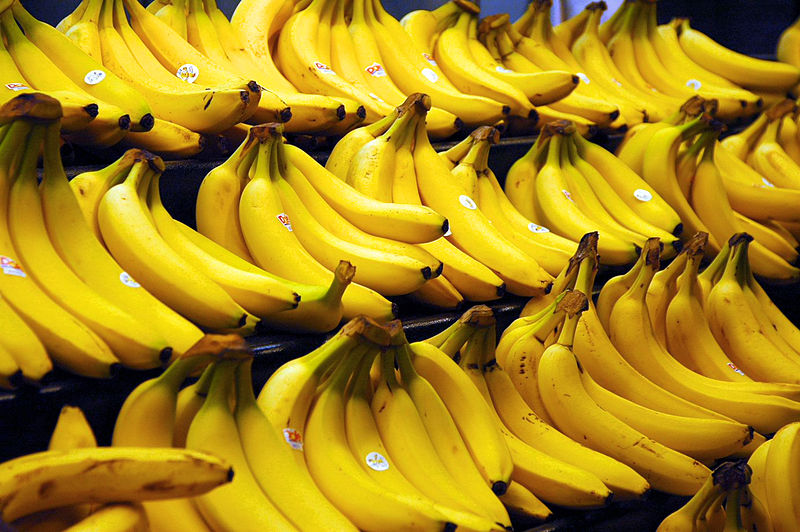 800px Bananas Le nom des fruits en anglais   The names of the fruits in English