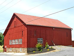 Barn north of Dillsburg