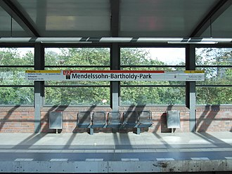 Mendelssohn-Bartholdy-Park (Berlin U-Bahn) - Image: Berlin U Bahnhof Mendelssohn Bartholdy Park Linie U2 (7184540992)
