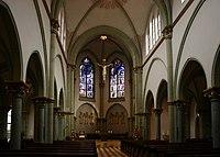 Berlin Herz-Jesu-Kirche innen.jpg