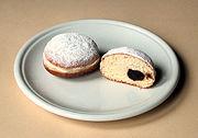 Berliner alemã, correspondendo ao filled donut americano.